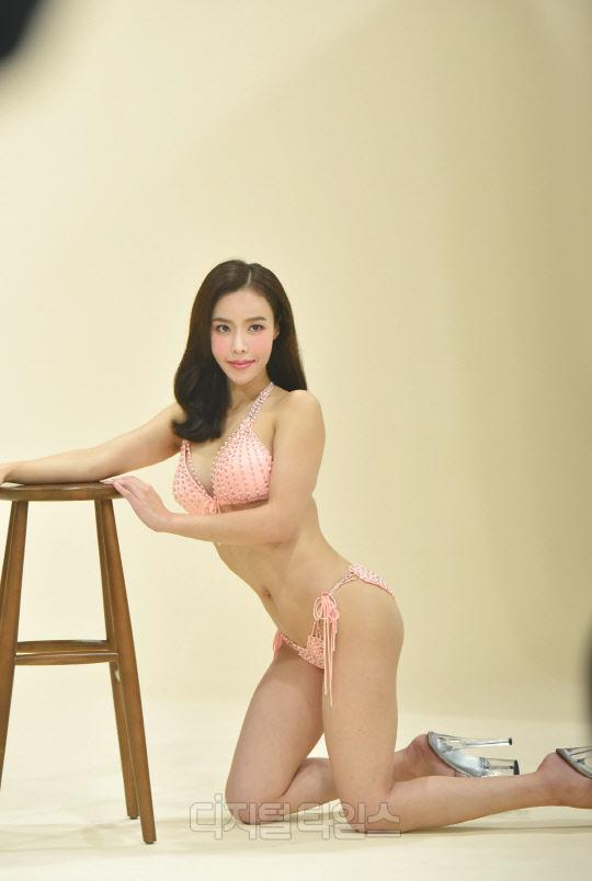 [포토]머슬마니아 신다원, 핑크빛 비키니의 유혹